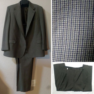EUC Bespoke tailored olive suit 54R, 50x29